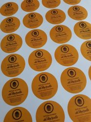 100 adesivos vinil redondos 3X3cm com recorte personalizados